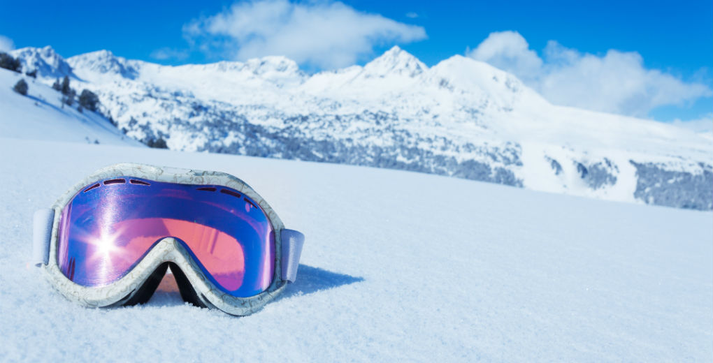 A third of British skiers hit slopes without checking travel cover
